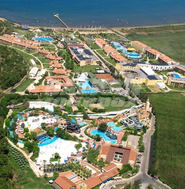 Hotel aqua fantasy 5 holiday in turkey for Big box hotel bomonti