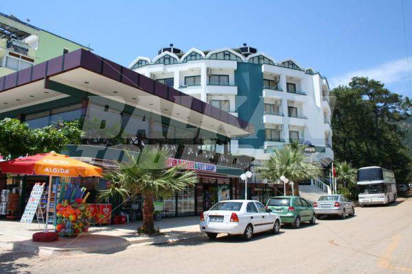 Hotel class beach 3 holiday in turkey for Big box hotel bomonti