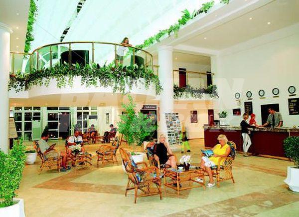 Hotel club mersin beach 4 holiday in turkey for Big box hotel bomonti