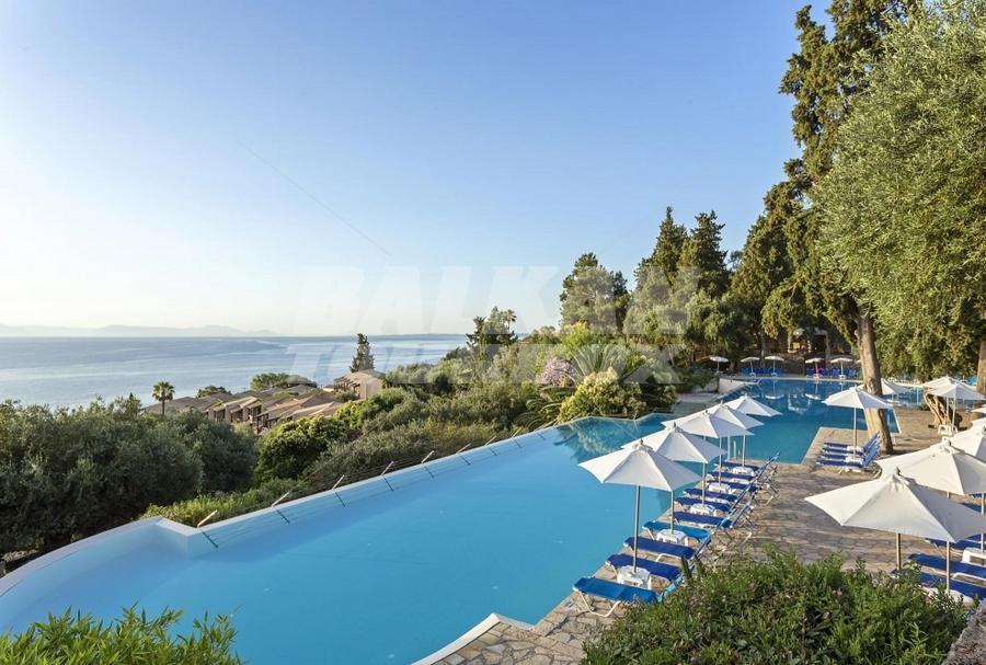Hotel aeolos beach resort 3 holiday in greece for Big box hotel bomonti