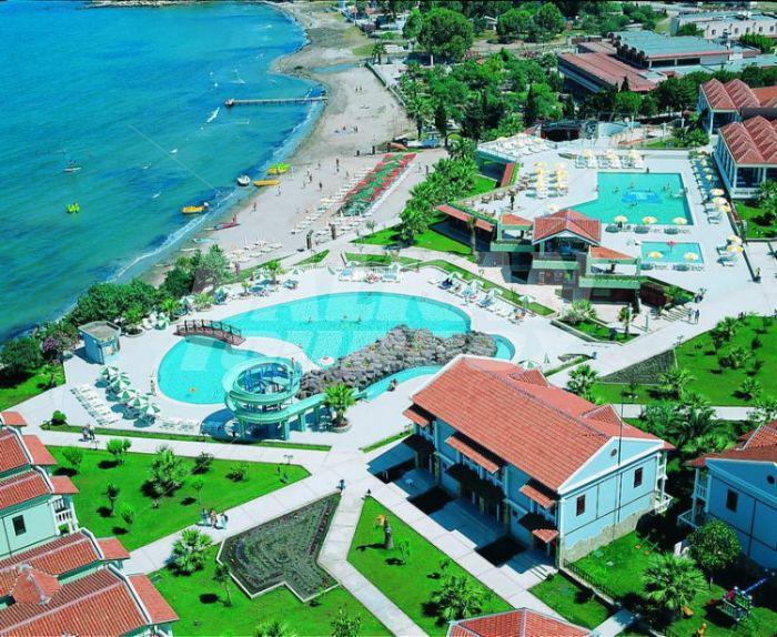Hotel majesty club tarhan beach ex club tarhan 5 for Big box hotel bomonti