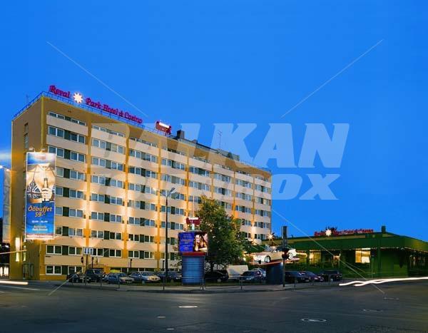 Ревал парк отель и казино где в турции отели и казино