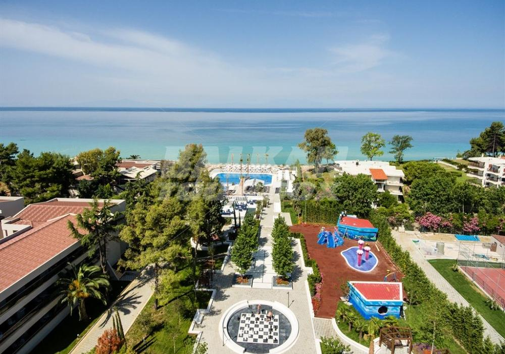 Hotel potidea palace 4 holiday in greece for Big box hotel bomonti