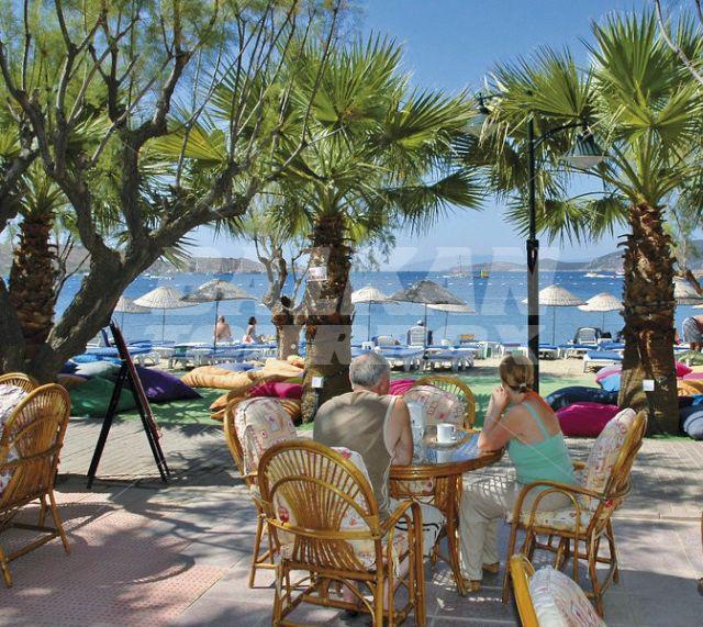 Hotel sami beach 3 holiday in turkey for Big box hotel bomonti