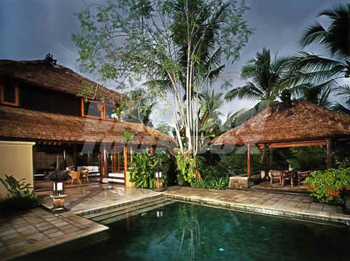 Hotel amandari 5 holiday in indonesia for Big box hotel bomonti